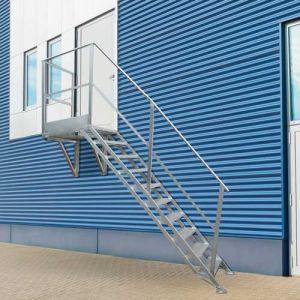 Scala in alluminio per esterno con sbarco laterale